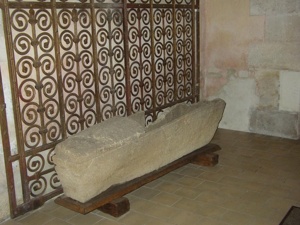 Sarcophage Mérovingien Souesmes
